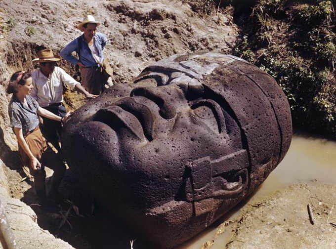 mind-blowing-archaeological-discoveries-01