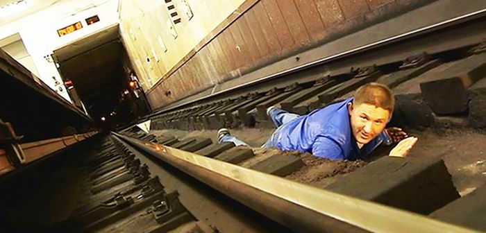 when-fall-subway-tracks-03
