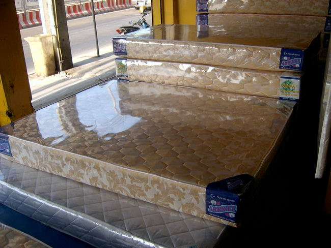 plastic-cover-bed-05